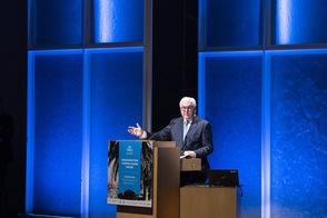 Bundespräsident Frank-Walter Steinmeier hält eine Ansprache bei der Konferenz 'The Struggle for Democracy' im Getty Research Institut anlässlich der Eröffnung des Thomas-Mann-Hauses in Los Angeles anlässlich seiner Reise in die USA