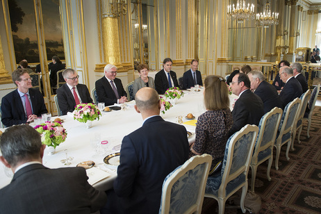 Federal President Frank-Walter Steinmeier holds a speech during a joint lunch hosted by the President of the French Republic, François Hollande, in the Élysée Palace in Paris during his first official visit to France