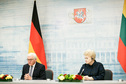 Federal President Frank-Walter Steinmeier holds a joint press conference with the President of the Republic of Lithuania, Dalia Grybauskaitė, in Vilnius at the Presidential Palace on the occasion of his visit to Lithuania