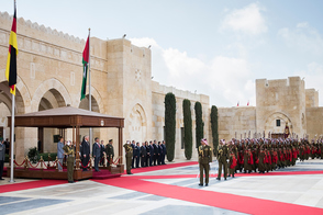 Federal President Frank-Walter Steinmeier is welcomed with military honors by King Abdullah II ibn Al Husseinon in the Al Husseiniya Palace on the occasion of his official visit to Jordan