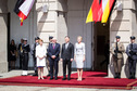 Federal President Frank-Walter Steinmeier and Elke Büdenbender are welcomed by Mr Andrzej Duda, President of the Republic of Poland, and Mrs Kornhauser-Duda