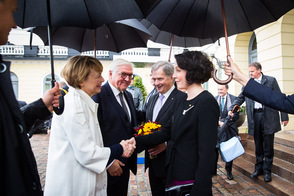 Federal President Frank-Walter Steinmeier and Elke Büdenbender are greeted by the President of the Republic of Finland, Sauli Niinistö, and his wife Jenni Haukio in Helsinki on the occasion of the state visit