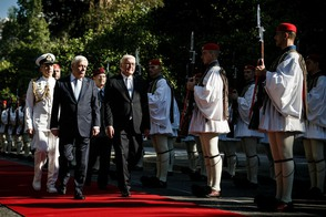 Federal President Frank-Walter Steinmeier is welcomed with military honours by President Prokopios Pavlopoulos at the Presidential Palace in Athens on the occasion of his state visit to Greece