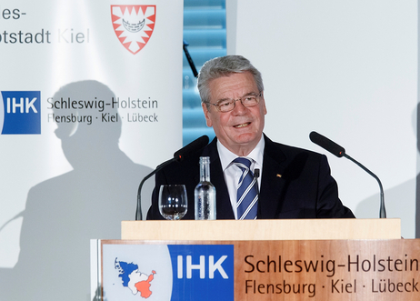 Speech by Federal President Joachim Gauck on the occasion of the award of the Global Economy Prize 2012 in Kiel on 17 June 2012.
