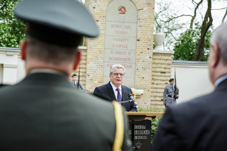 Federal President Joachim Gauck during his speech in Commemoration of fallen Soviet soldiers at Lebus War Cemetery
