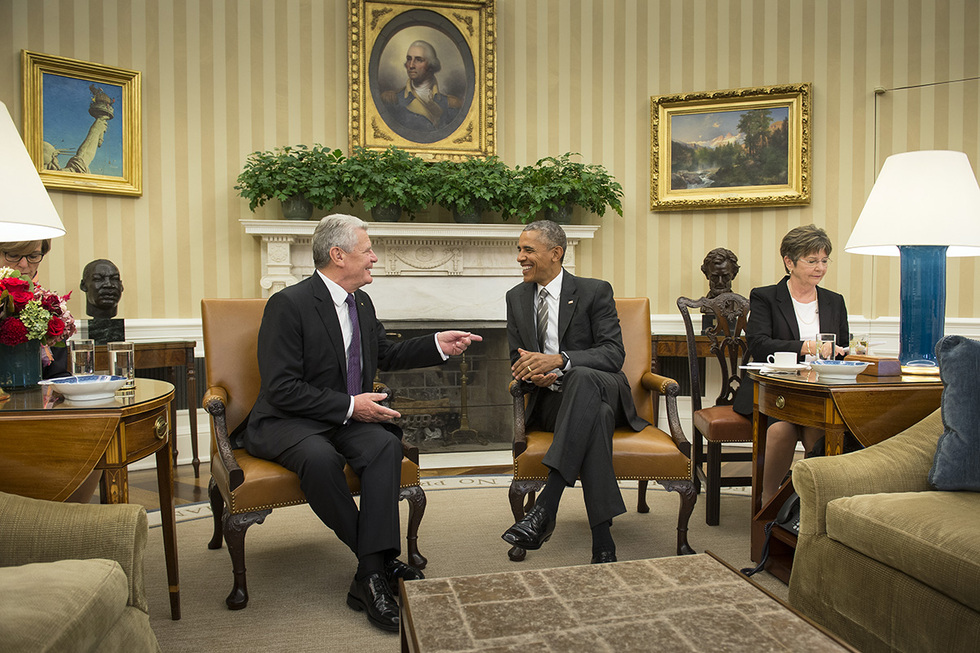 Federal president joachim gauck meets american president barack obama in the oval office of the white