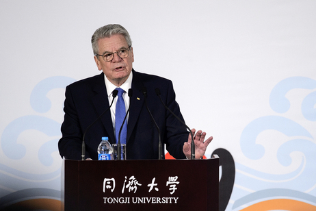 Federal President Joachim Gauck holds a speech in the auditorium of the Tongji-University in Shanghai on the occasion of the state visit to the People's Republic of China