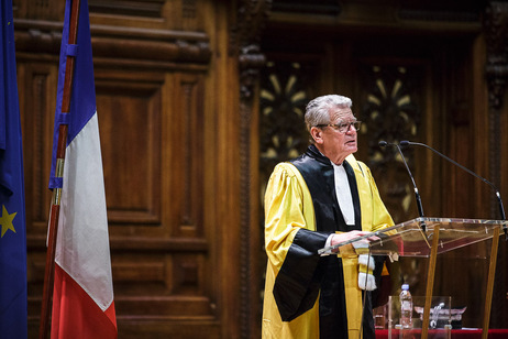 Federal President Joachim Gauck holds a speech on receiving an honorary doctorate from the Sorbonne University on the occasion of his visit to the French Republic