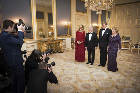 Federal President Joachim Gauck and Daniela Schadt are greeted by King Willem-Alexander and Queen Máxima of the Netherlands in the Paleis Noordeinde in The Hague on the occasion of their visit to the Netherlands